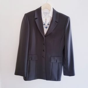 Tahari grey blazer excellent condition.